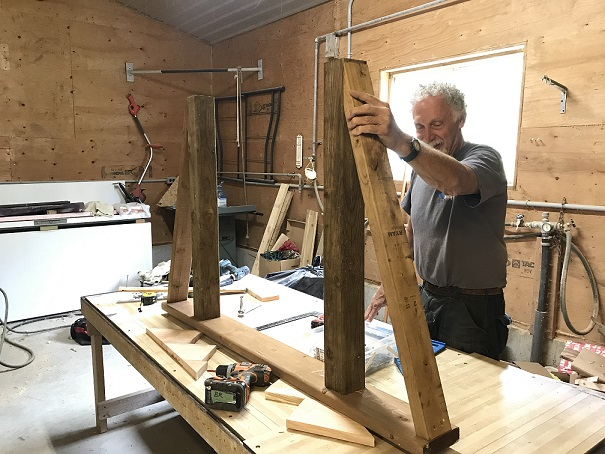 Ted forming a bridge handrail assembly